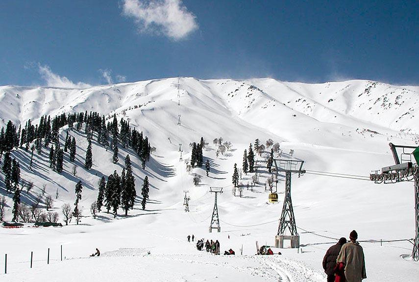 54d1224ec60de_-_strangest-skiing-3-855-xl-3985542