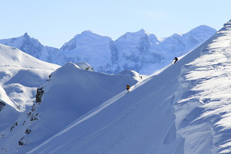 Snowcomparison.com + top ski resorts near geneva
